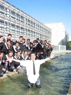 元智大學學生畢業團拍照片