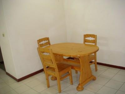 客座教授宿舍15號2樓 A室用餐區