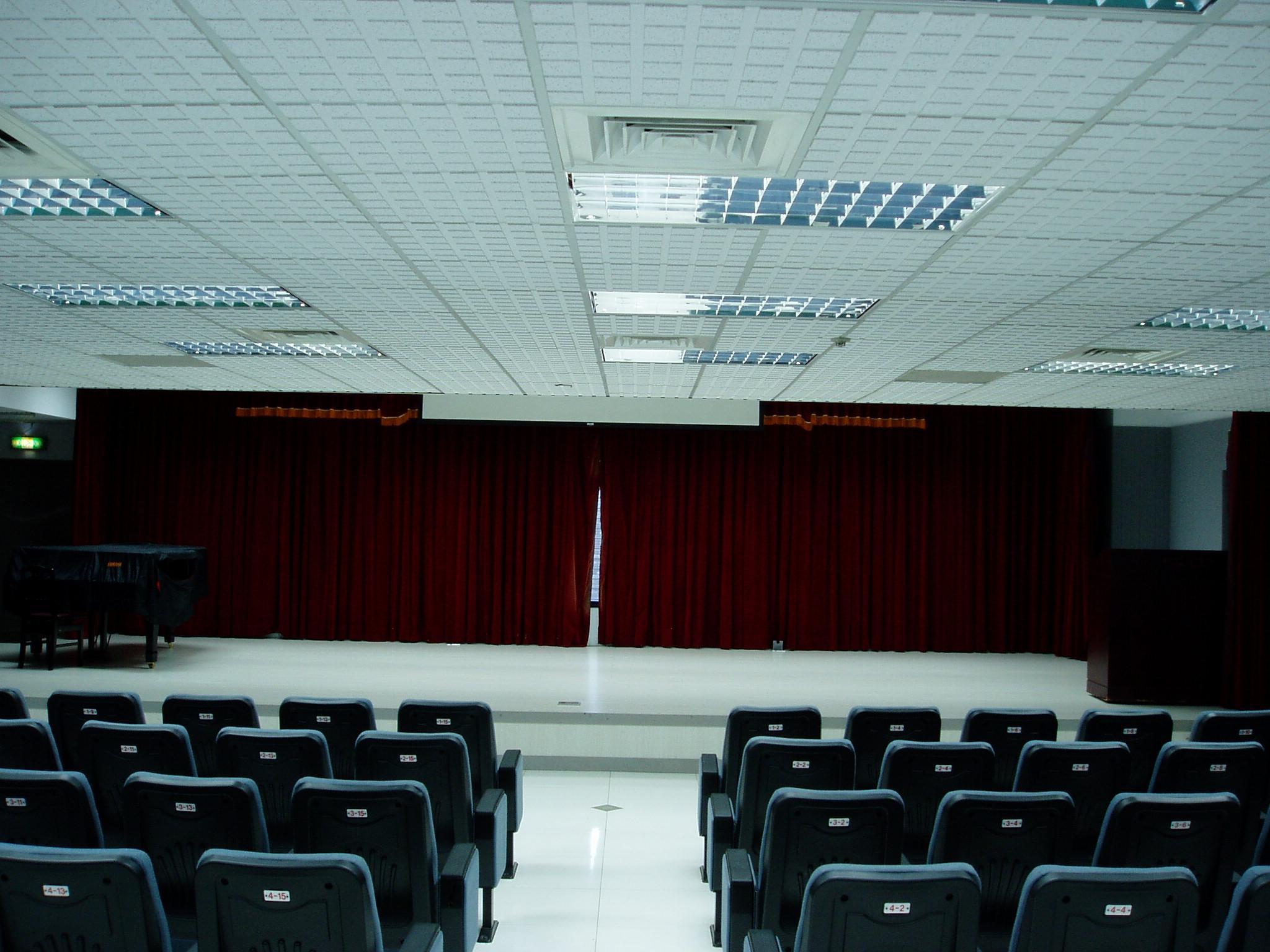 一館演藝廳內-舞台